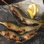 魚 野菜 酒 しゃばらむ - 鮎の串焼きです