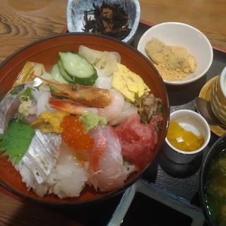 味くらべ - 熱海の海鮮丼