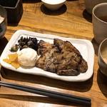 居酒屋ぼうず - 塩麹漬け桃豚の炭火焼き定食