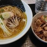 だるま製麺所 - 料理写真: