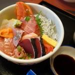 サーフィン - 伊良湖地さかな丼