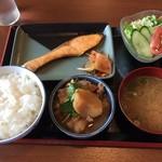 たなぽん食堂 - 料理写真:焼鮭定食650円