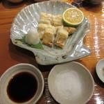魚虎 - 粉山椒、岩塩、醤油、軽く塩してあるので食べて調整