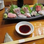 魚虎 - 刺し盛り 1200円(一人前)×2