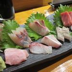 魚虎 - 料理写真:この日は、天然活鯵・ヒラマサ・天然本鮪・カジキ・石鯛・ヒラマサ腹身・太刀魚の炙り・キアラ