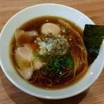 らーめん にじいろ - にじいろブラック(750円)+味玉(クーポン)