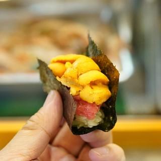 寿司栄 - 料理写真:大トロと雲丹の二段重ね