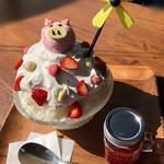 Cafe&Bar ルディック - イチゴミルクパフェ氷