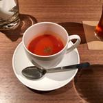 レストラン バー アミューズメント - 鶏胸肉のフリカッセランチ1,000円のスープ