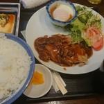 109007058 - 今日の肉料理の日替り、チキンステーキランチ(税込650円)