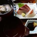 有楽すし - 刺身 鯛アラ汁