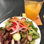 ジラソーレ - サラダとオレンジジュース