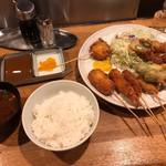 串の幸 - 串揚げ定食 1,500円 串十本 ねぎま、海老、串かつ、獅子唐、カレー風味蓮根、魚フライ、ホタテ、鶏つくね他