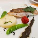 レストラン アレイ - 鯛のポワレ ソースはアンチョビです^ ^