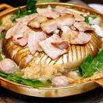 Asian Dining PUERTO - ムーガタ鍋コース