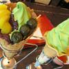 通圓 - 料理写真:宇治金時ソフトクリームと、抹茶ソフトクリーム。