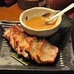 サイゴンカフェ 伊勢店 - ドラム豚100g にんにくソース