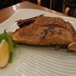 馬肉料理・まぐろと日本酒の店 赤味処馬ぐろ - まぐろかま塩焼き