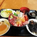 109026674 - 海鮮丼800円 コスパすげぇぇぇ~ですw