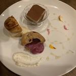 コリーヌ ドゥ タラ - デザート3種盛り