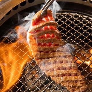 食肉市場の「築地」といわれる東京食肉市場で仕入れています。