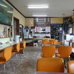 安楽食堂 - 店内の様子