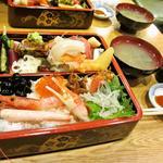 ひかり寿司 - 特上ちらし寿司(ランチ椀物付)1500円