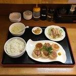 十二籃 - ひとくち肉まん定食  ¥850
