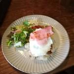 焼き鳥 まる - 日替わりランチ(ロコモコ丼)