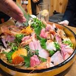 鮨と日本酒 蔵よし - お刺身盛り合わせ!