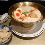 109064590 - 「鯛白湯とろり(大盛)+燻製玉子」&「鯛めし(小)」