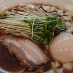 麺屋 いさお - 料理写真:醤油そば+味タマ♪