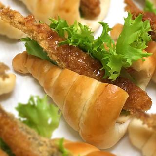 カネダイ大野商店 - 料理写真:ししゃもパン