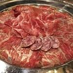 タヴェルナ・ポルチーニ - 和牛の生ハムやプロシュート、白サラミの盛り合わせ