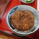 太田食堂 - ミニ丼のメンチも1つが大きい☆