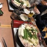 博多満月 - 塩もつ鍋と醤油もつ鍋