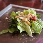 TOKI - サラダ・・以前よりお野菜は少なくなりましたけれど、ドレッシングがいい味わい。