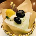 丸福珈琲店 - 金粉キラキラ✨ 宇治抹茶あずきケーキ¥480-