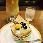 丸福珈琲店 - なんてレトロなケーキなんでしょ❤︎