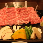 10910291 - 焼き野菜と黒毛和牛特上焼き肉4品盛り合わせ