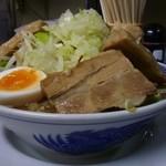 鶏とふじ - 12/2011うま節めん小豚第一コーナー(野菜と脂少なめ)