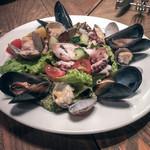 ピッツェリア ダル リッチョロ - 海の幸のサラダ〜タコ・貝類・白いんげん豆・夏野菜〜