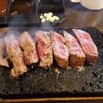 109122629 - やっぱりステーキ。1000円税込。