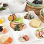 ポップ - 料理写真:和食も多彩にご用意しています。
