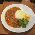 SPICY CURRY 魯珈 - 牛肉と春菊のシビ辛赤カレー