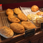 ラ ブリオッシュ - 創業当時からの手仕込みカレーパン