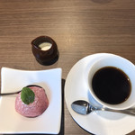 YAKIYAKIさんの家 OMOTESANDO - コーヒーも美味しい