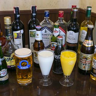 お料理と相性ぴったりの、ネパールビールやインド産ワインも◎