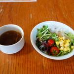 ダニエルハウス - セットのサラダとスープ
