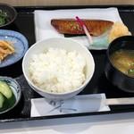 京粕漬 魚久  - インドマグロ酒粕白味噌漬定食2160円